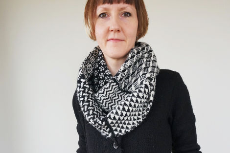 Donna Smith, wearing her Shallmillens Snood