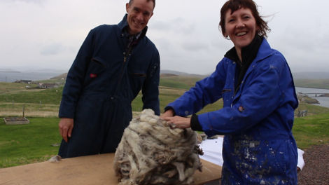 Donna and Andrew, getting their hands on a good Shetland fleece